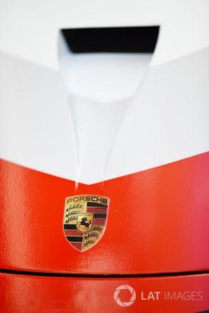 Porsche Team Porsche 911 RSR detail