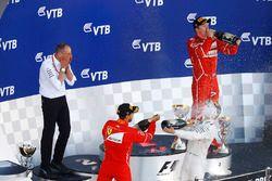 Tweede plaats Sebastian Vettel, Ferrari, racewinnaar Valtteri Bottas, Mercedes AMG F1, derde plaats