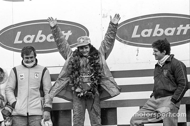 Подиум: победитель Жиль Вильнёв, Ferrari, второе место – Джоди Шектер, Wolf, третье место – Карлос Рейтеман, Ferrari