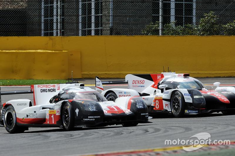 #1 Porsche Team Porsche 919 Hybrid: Neel Jani, Andre Lotterer, Nick Tandy, #8 Toyota Gazoo Racing To