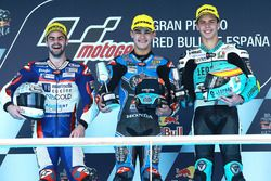 Podium: race winner Aron Canet, Estrella Galicia 0,0, second place Romano Fenati, Marinelli Rivacold Snipers, third place Joan Mir, Leopard Racing