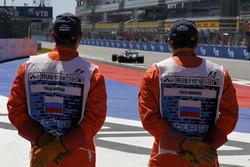 Temporada 2017 F1-russian-gp-2017-marshals