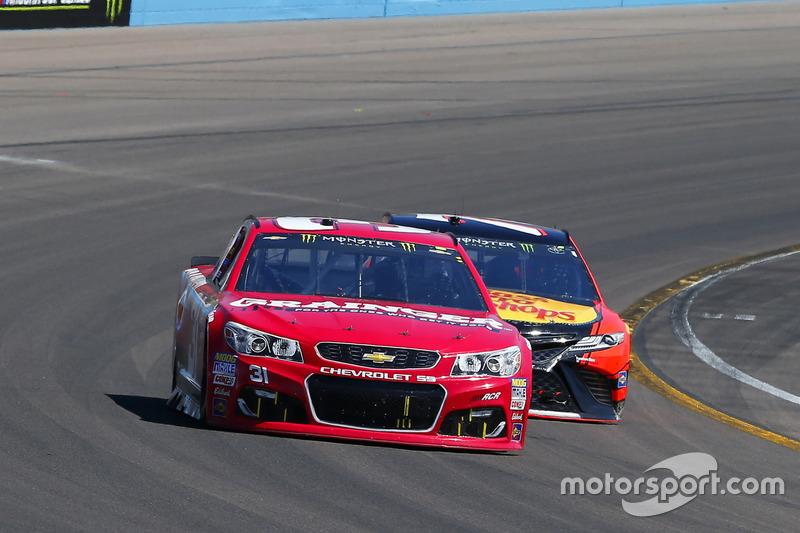 Ryan Newman, Richard Childress Racing, Chevrolet; Martin Truex Jr., Furniture Row Racing, Toyota