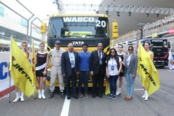 Antonio Albacete with Karun Chandhok