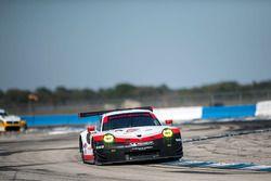 #912 Porsche Team North America, Porsche 911 RSR: Kevin Estre, Laurens Vanthoor, Richard Lietz