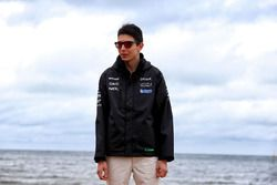 Esteban Ocon, Sahara Force India F1 Team en la playa de Brighton