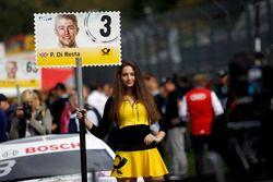 Grid girl van Paul Di Resta, Mercedes-AMG Team HWA, Mercedes-AMG C63 DTM