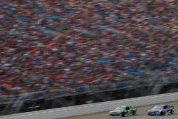 Джеффри Эрнхардт, The Motorsports Group Chevrolet и Даника Патрик, Stewart-Haas Racing Ford
