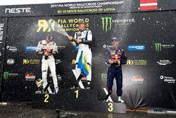 Podio: il vincitore Johan Kristoffersson, PSRX Volkswagen Sweden, VW Polo GTi, il secondo classifica
