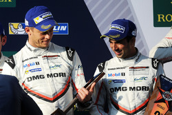 Podio. segundo lugar Neel Jani, Andre Lotterer, Nick Tandy, Porsche Team
