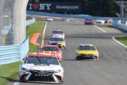 Matt Kenseth, Joe Gibbs Racing Toyota, Jamie McMurray, Chip Ganassi Racing Chevrolet, Daniel Suárez,