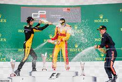 Podium : le vainqueur Giuliano Alesi, Trident, le deuxième Jack Aitken, ART Grand Prix, le troisième Niko Kari, Arden International