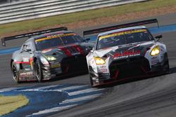#3 B-MAX NDDP GT-Rと#0 GAINER TANAX GT-R