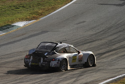 #911 Porsche Team North America Porsche 911 RSR: Nick Tandy, Patrick Pilet, Richard Lietz, crash
