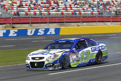 Casey Mears, Germain Racing Chevrolet, na crash