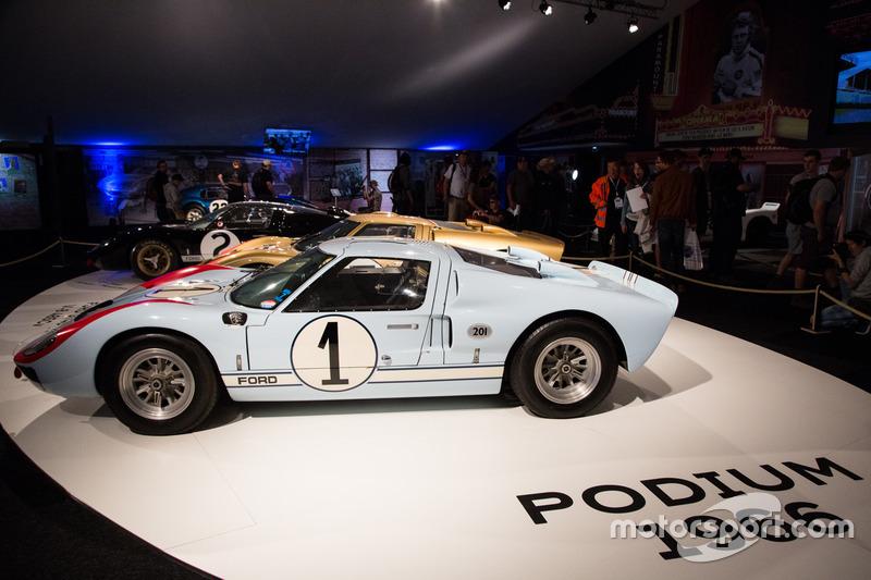 Le Mans 1966: segundo clasificado, Ken Miles, Denis Hulme, Ford GT 40