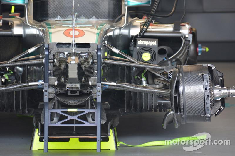 Détails de l'avant de la Mercedes AMG F1 W07 Hybrid