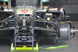 Mercedes AMG F1 W07 Hybrid front detail