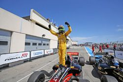 Ganador, Louis Deletraz, Fortec Motorsports