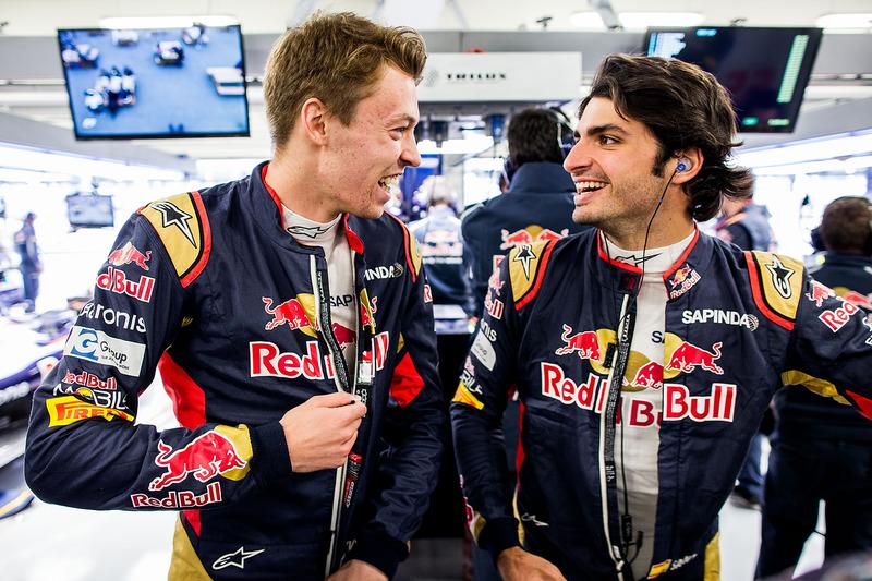 2016 год. С Карлосом Сайнсом в боксах Toro Rosso