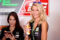 Une Grid Girl Drive M7 SIC Racing Team