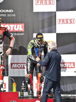 Podio: tercer lugarTom Sykes, Kawasaki Racing