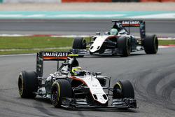 Sergio Perez, Sahara Force India F1 VJM09 leads team mate Nico Hulkenberg, Sahara Force India F1 VJM09 on the formation lap