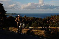 De wheelie van Dougie Lampkin op het Isle of Man