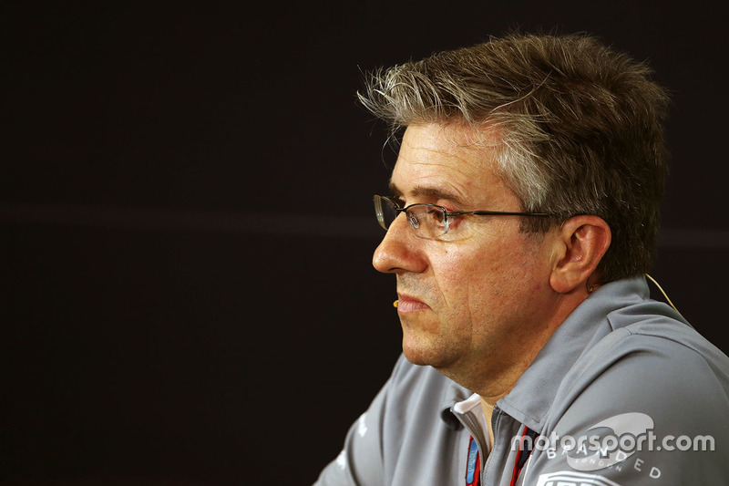 Pat Fry, Manor Racing Ingeniero Consultor en la Conferencia de prensa FIA