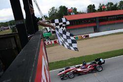 Santiago Urrutia, Schmidt Peterson Motorsports takes the checkered flag