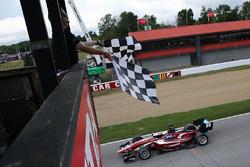 Sieg für Santiago Urrutia, Schmidt Peterson Motorsports