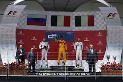 Podium: Race winner Antonio Giovinazzi, PREMA Racing, Second place Sergey Sirotkin, ART Grand Prix &
