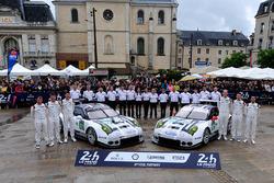 Ник Тэнди, Патрик Пиле, Кевин Эстре, #91 Porsche Motorsport Porsche 911 RSR и Эрл Бамбер, Фредерик М