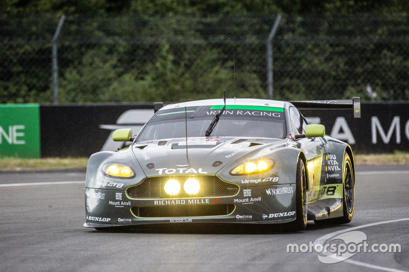 48: #98 Aston Martin Racing Aston Martin Vantage: Paul Dalla Lana, Pedro Lamy, Mathias Lauda