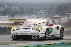 Эрл Бамбер, Фредерик Маковецки, Йорг Бергмайстер, #92 Porsche Motorsport Porsche 911 RSR