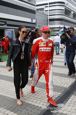 Kimi Räikkönen mit Ehefrau Minttu Virtanen