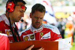 Sebastian Vettel, Ferrari on the grid