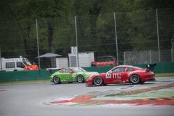 Incidente tra la POrsche 911 GT3 CUP #77 e la #44