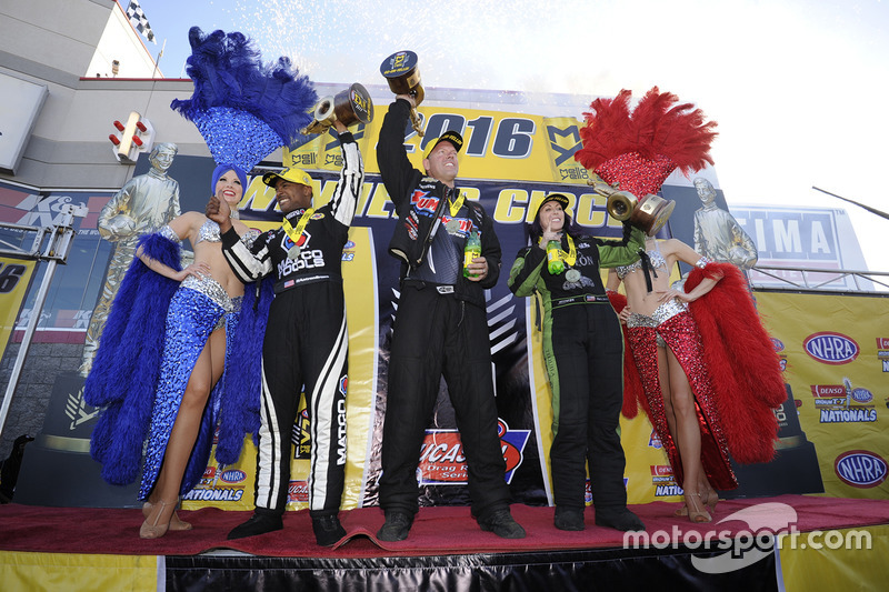 Top Fuel Sieger Antron Brown, Funny Car Sieger Alexis Dejoria, Pro Stock Sieger Jason Line