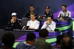 Пресс-конференция FIA: Паскаль Верляйн, Manor Racing; Макс Ферстаппен, Scuderia Toro Rosso; Ромен Гр