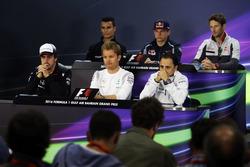 De FIA persconferentie met Pascal Wehrlein, Manor Racing; Max Verstappen, Scuderia Toro Rosso; Romai