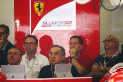Sergio Marchionne, Président de Ferrari et CEO de Fiat Chrysler Automobiles regarde la course