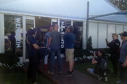 Pascal Wehrlein, Manor Racing mit der Presse