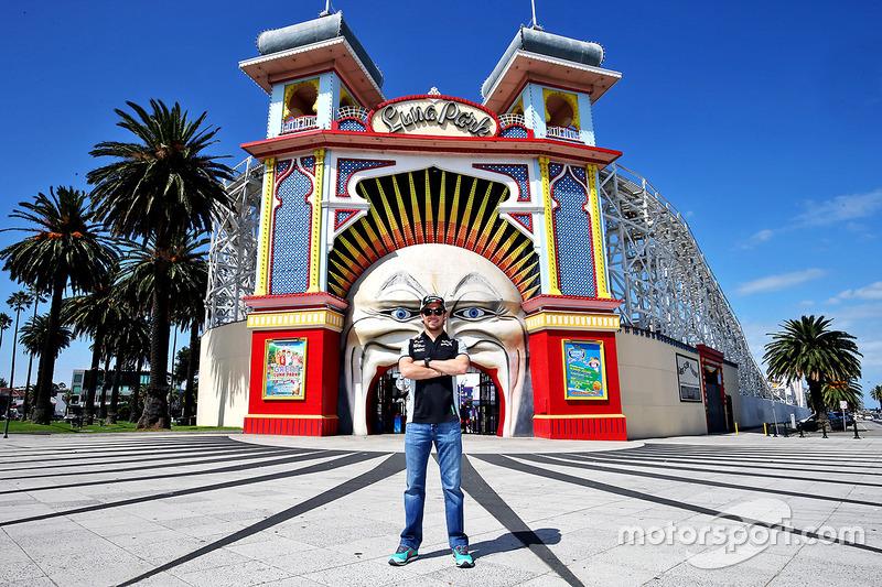 Sergio Perez, Sahara Force India F1 bezoekt Luna Park