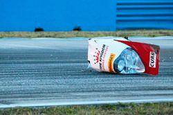 A piece of the crashed #60 Michael Shank Racing és Curb/Agajanian Ligier JS P2 Honda: John Pew, Oswa