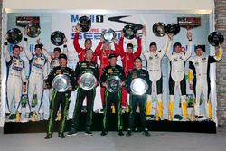 Klassenpodium: DP, 1. Johannes van Overbeek, Scott Sharp, Ed Brown, Pipo Derani, ESM Racing; PC, 1.