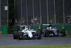 Фелипе Масса, Williams FW38 и Льюис Хэмилтон, Mercedes AMG F1 Team W07