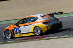 #126 CTR-Alfatune Seat Leon Cup Racer: Christopher Bentley, John Clonis, Robert Gilham