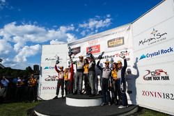 Podium GTD: Les vainqueurs #44 Magnus Racing Audi R8 LMS: John Potter, Andy Lally; les deuxièmes #6 Stevenson Motorsports Audi R8 LMS GT3: Andrew Davis, Robin Liddell; les troisièmes #33 Riley Motorsports SRT Viper GT3-R: Ben Keating, Jeroen Bleekemolen