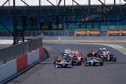 Start: Egor Orudzhev, Arden Motorsport lider